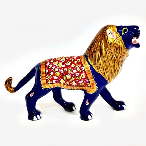Metal Lion Painted 6 Inch Length