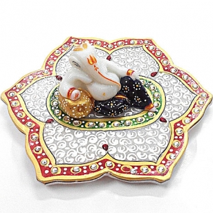 Ganpati Statue on Decorative Plate