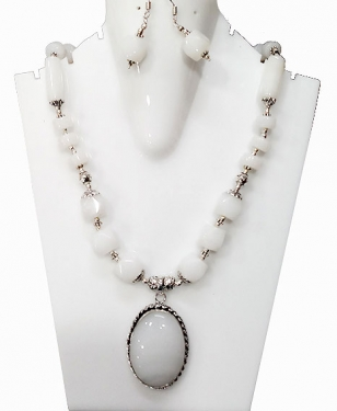 Necklace set with Earrings
