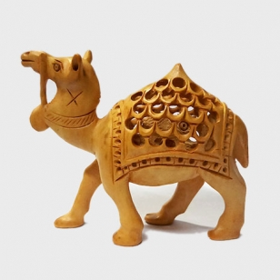 Wooden Undercut Camel (8cm Height)