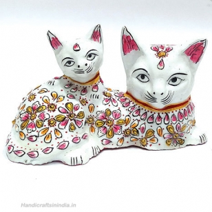 Metal Painted Cat Figurine (White)